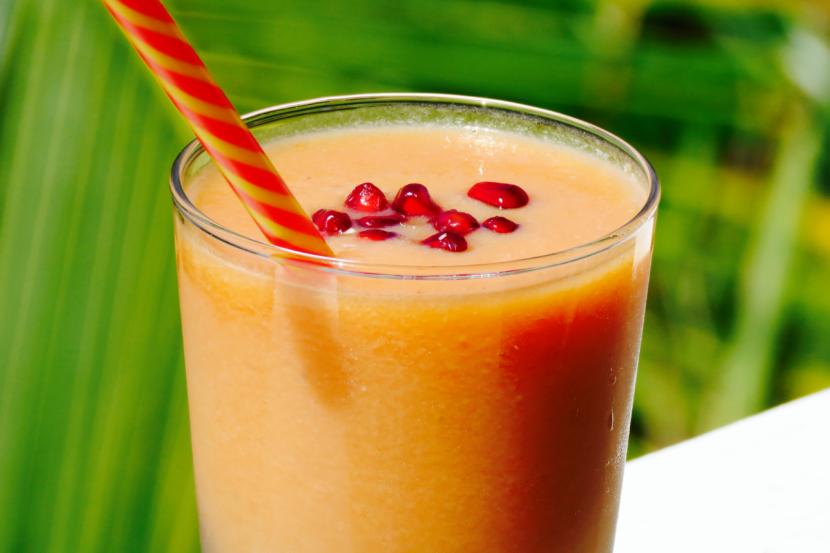 Pomegranate Papaya Smoothie